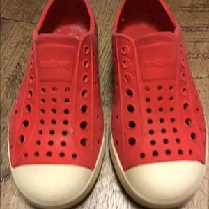 NATIVE KIDS JEFFERSON WATER SHOES RED C-11